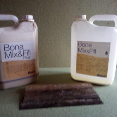 Prodotto ecologico per la stuccatura dei pavimenti in legno.