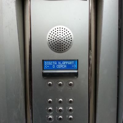 Pulsantiera esterna per impianto citofonico