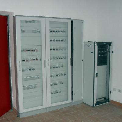 quadro distribuzione e quadro dati nuovi uffici comunali di Cairate(VA)