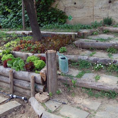 realizzazione contenimento per orto