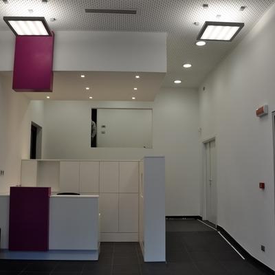 Reception uffici Genova e relativa tineggiatura