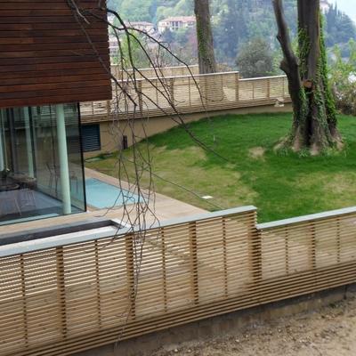 Recinzione e facciata in legno