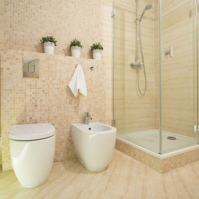 https://it.habcdn.com/photos/business/gallery/ristrutturazione-bagno-grande-402142.jpg