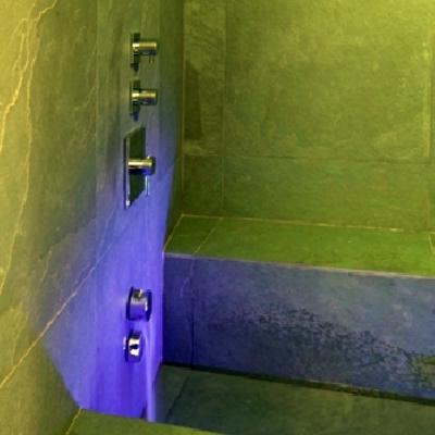 Interior design - ristrutturazione ed arredamento di un appartamento in una torre del 300 - La sauna
