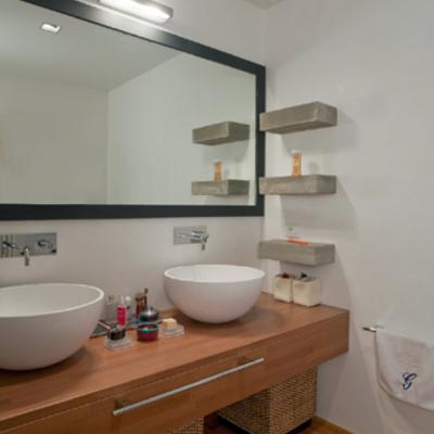 Interior design - ristrutturazione ed arredamento di un appartamento in una torre del 300 - La suite bagno