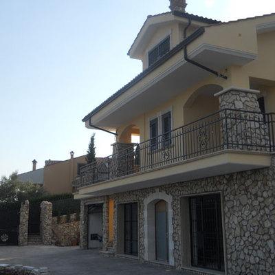 Ristrutturazione Montecelio facciata di villa