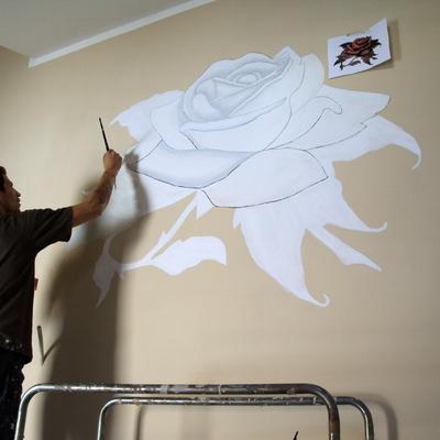 rosa dipinta su muro