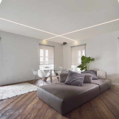 Salotto In Stile Moderno E Controsoffittatura A Led Interior Design ...