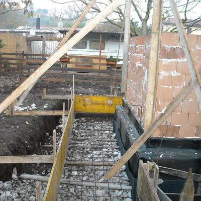 'Scannafosso perimetrale alla struttura per recupero acque e impermeabilizzazione