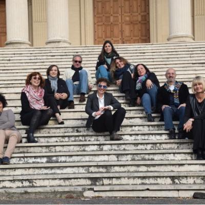 gruppo di architetti in un esterno