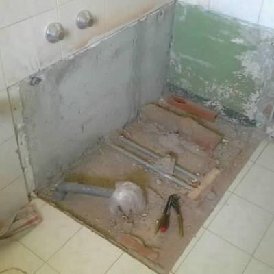 Lomazzo rimozione vecchia vasca