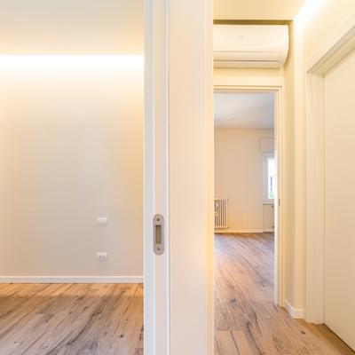 Camera e corridoio_2