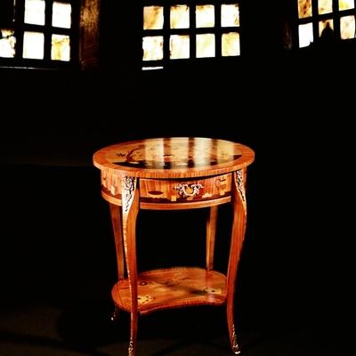 Tavolino intarsiato Stile L.XV