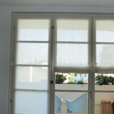 Tende a vetro idee per interni e mobili - Tende a vetro per cucina ...