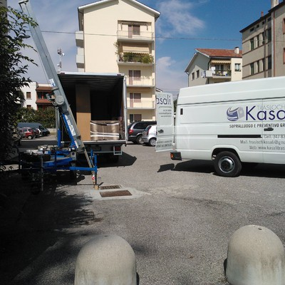 """Traslochi completi """"chiavi in mano""""."""