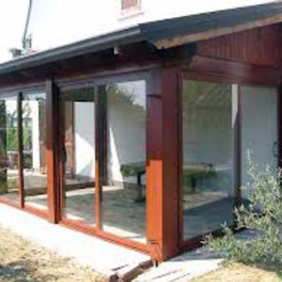 veranda in legno chiusa
