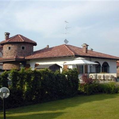 Villa a Novara