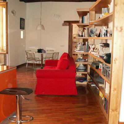 Vista del salone dall'ingresso dell'appartamento