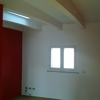 finestra segue soffitto e pareti