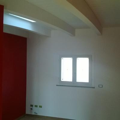 finestra segue soffitto e pareti