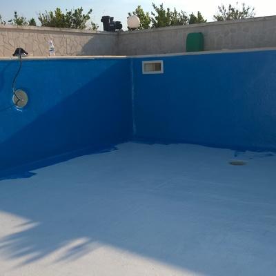 rivestimento piscina con resina poliuretanica