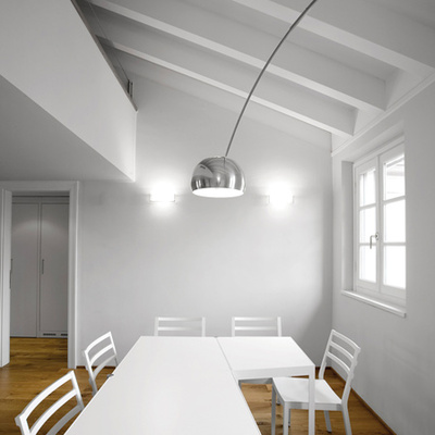 Zona pranzo illuminata