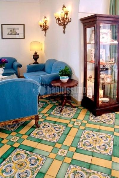 Foto pavimenti cotto coppi maiolicati di ceramica - Ceramiche di vietri bagno ...