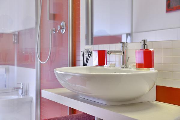 Foto il colore che arreda di verde mattone srl 305636 for Arreda il bagno srl
