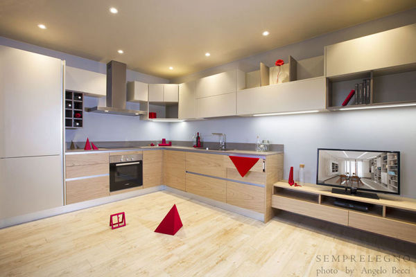 Foto: cucina moderna arredata con mobili su misura di semprelegno