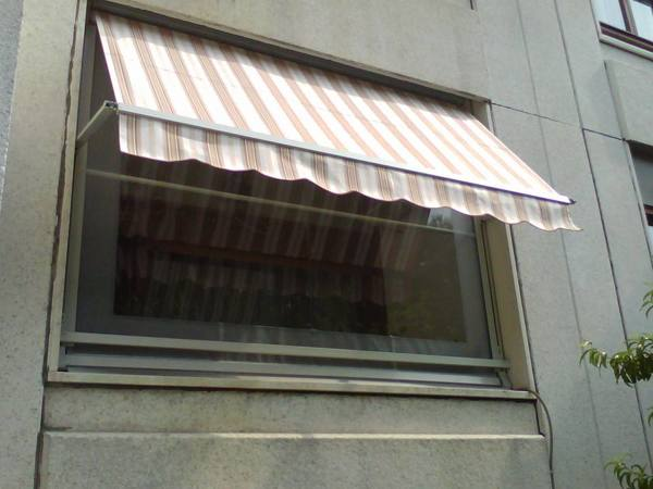Tende Veranda Cristal : Foto: tenda veranda con telo cristal di pasa serramenti e tende dal