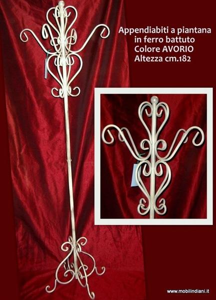 Foto attaccapanni etnico in ferro battuto di mobili for Arredamento etnico bari