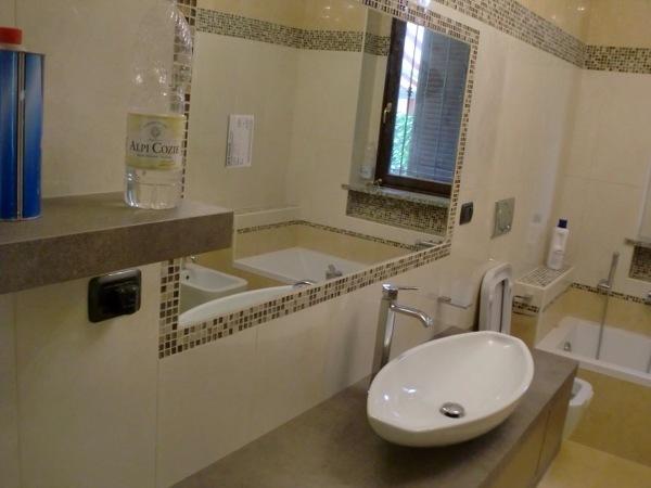 Foto bagno con specchio incassato di edil taurinova