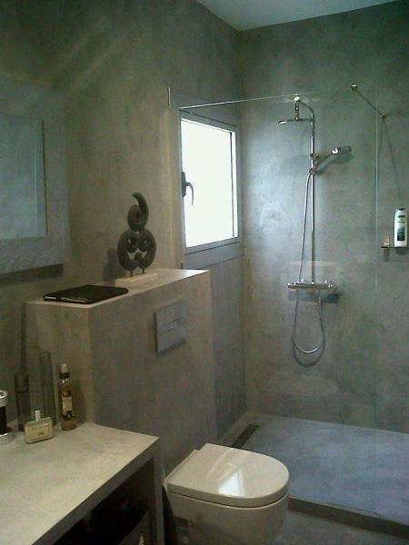 Foto bagno con finiture in microcemento di impresa edile - Microcemento bagno ...
