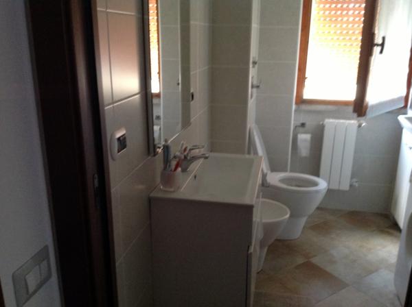 Foto bagno di servizio a bernareggio di r d m srl