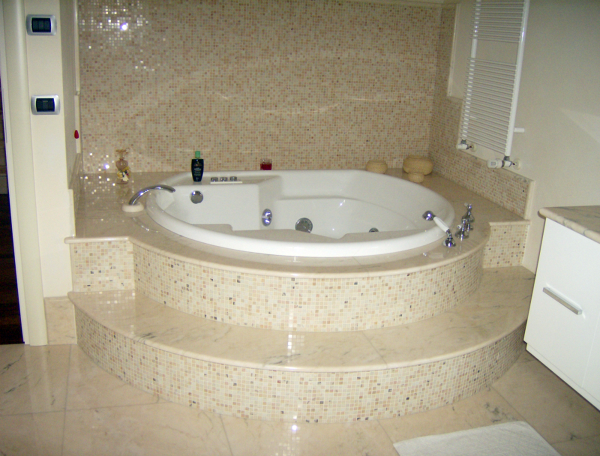 Foto bagno in marmo di edilmanfr 44205 habitissimo - Bagno di marmo ...