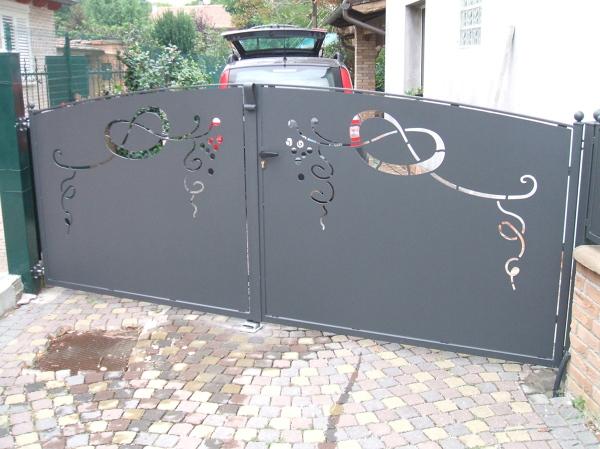 Fermo Per Cancello A Due Ante.Foto Cancello A Due Ante Con Lamiera Di Estetic Fer Style Di