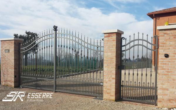Fermo Per Cancello A Due Ante.Foto Cancello A Due Ante E Pedonale Di Se Esserre 607003 Habitissimo