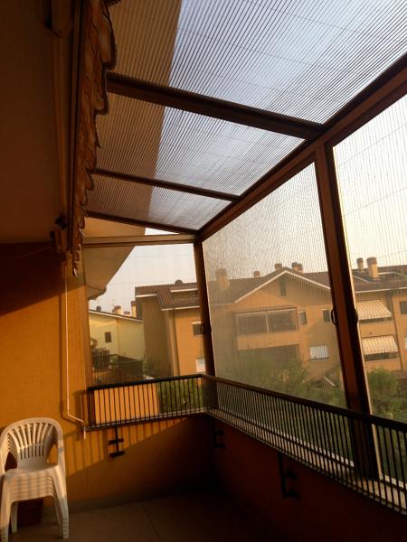 Foto: Copertura di un Balcone con Zanzariere di Cfm Serramenti #134890 ...