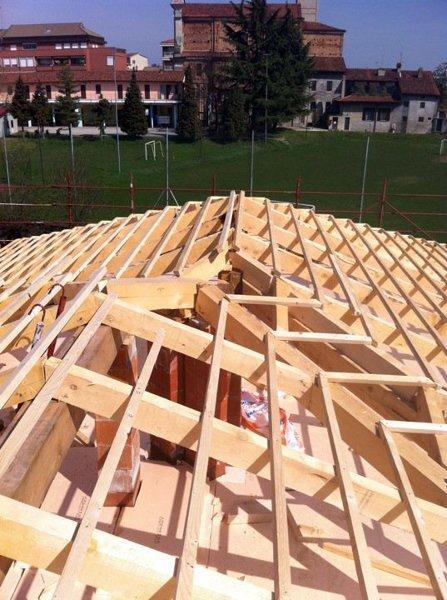 Foto costruzione di un tetto a padiglione di edil trovato for Ottenere un prestito di costruzione