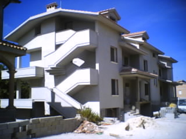 Foto costruzione di una unit uni famigliare ed una bi for Tipi di prestiti per la costruzione di una casa