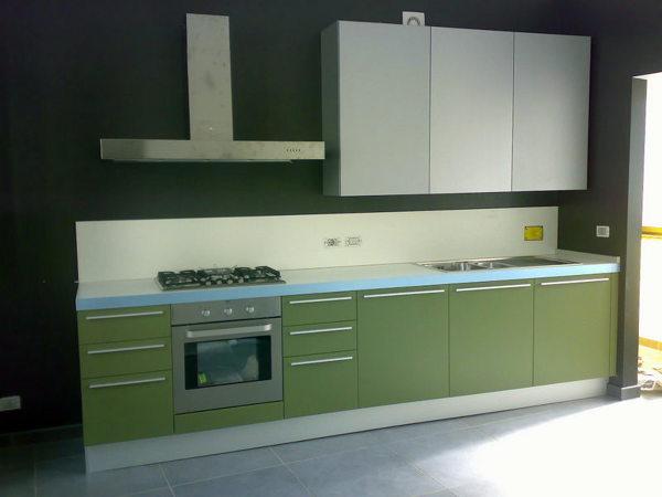 Foto cucina con ante laccate opache di life design 79269 - Riverniciare ante cucina ...
