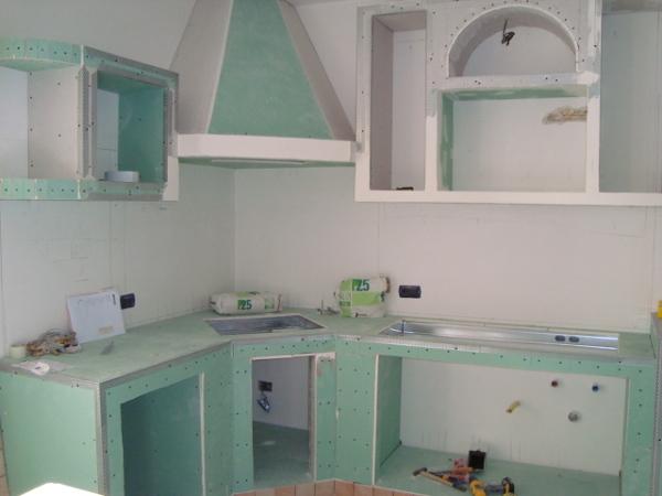 Foto cucina in muratura in cartongesso part 1 di iride di - Idee cucine in muratura foto ...