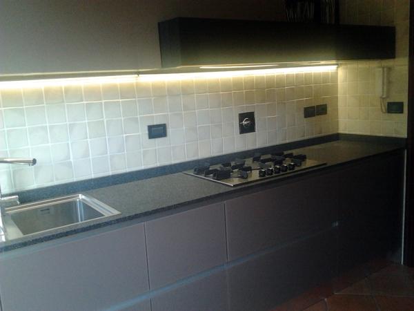 Piano Cucina Agglomerato Di Quarzo.Foto Cucina In Vetro Top In Agglomerato Di Quarzo Di Life