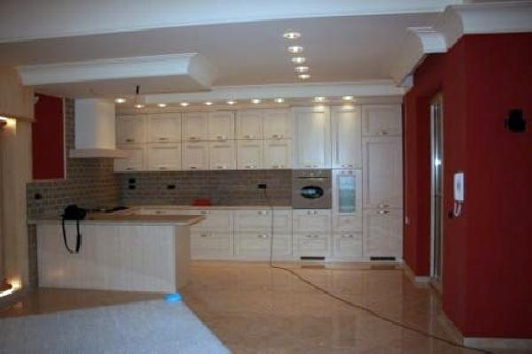 Foto cucina incassata in controsoffitti di cartongesso - Cartongesso per cucine moderne ...