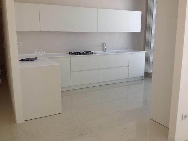 Foto: Cucina Laccata senza Maniglie di Caporali Moreno Riproduzione ...