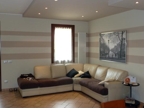 Foto decorazioni soggiorno sabri di bruno veronese 66884 for Decorazioni per pareti soggiorno