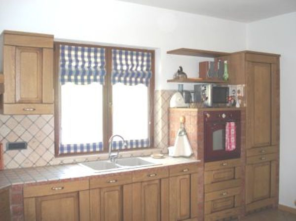 Foto: Piano Cucina sotto Finestra di Primo Giancarlo ...