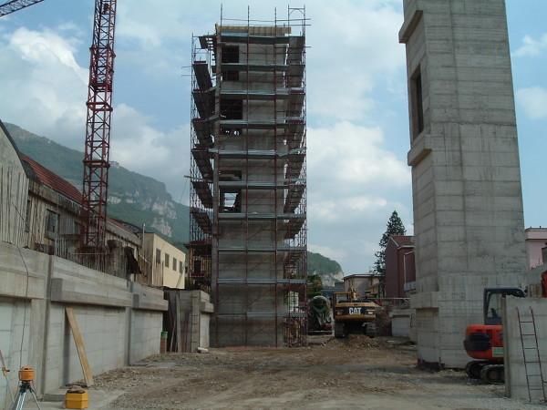Foto edificio industriale in lecco di ice fumagalli for Fumagalli case prefabbricate prezzi