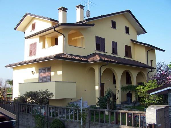Foto facciate esterne di edilcasa 54386 habitissimo for Immagini facciate esterne case