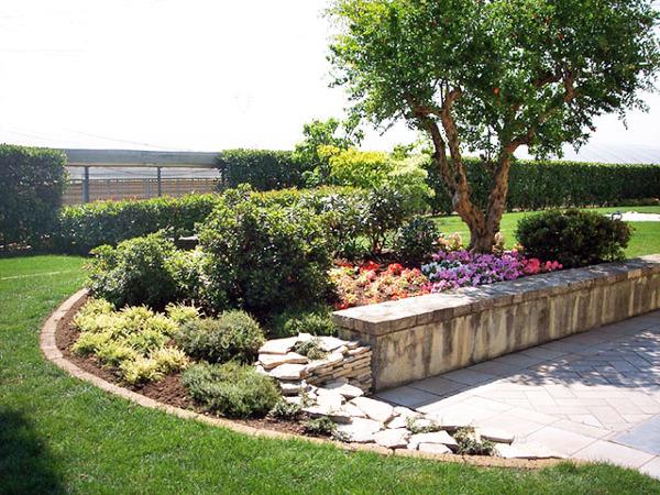 Foto giardino con piscina carobbio degli angeli bg di - Foto case con giardino ...